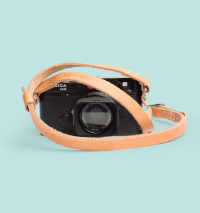 Remmen Nature on Leica M6. Quality camera straps made of vegetable tanned leather from Tärnsjö, Sweden. Made by artisans in Sweden. www.remmen-straps.com